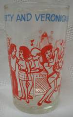 Archie Comic Collectibles - Archies gang Betty and Veronica Party Welches Glass