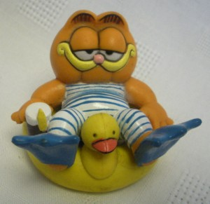 Garfield Collectibles - Garfield Rubber Ducky Inner Tube PVC Figure