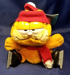 Garfield Collectibles - Garfield Winter Christmas Plush Ice Skates