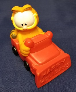 Garfield Collectibles - Garfield Winter Christmas Red Happy Holidays Car