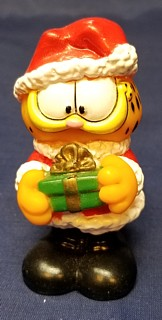 Garfield Collectibles - Garfield Winter Christmas Santa Gift Present PVC Rubber Figure