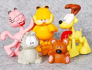 Garfield Collectibles - Garfield Nescafe Figures - Garfield, Nermal, Arlene, Odie and Pookie Bear