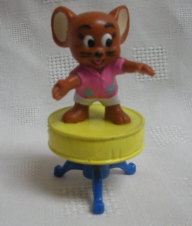 Cartoon Collectibles - Tom and Jerry Jerry Mouse on Stool Figure