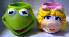 Muppets Collectibles - Kermit and Miss Piggy Plastic Mugs