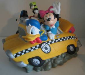 Disney Collectibles - Mickey Mouse and Gang Fab 5 Vinyl Bank Car - Minnie, Donald, Pluto, Goofy