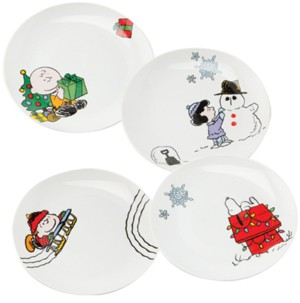 Snoopy and Peanuts Collectibles - Collectible Charlie Brown Christmas Plates