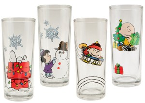 Snoopy and Peanuts Collectible Christmas Holiday Glasses