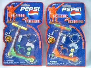 Pepsi-Cola Collectibles - Pepsi Mini Finger Scooter Keychain