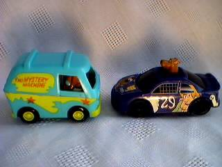 Scooby Doo Collectibles - Scooby Doo Race Car and Mystery Machine