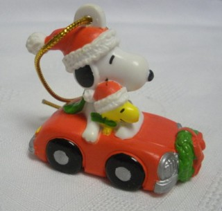 Snoopy and Peanuts Collectibles - Snoopy & Woodstock Car XMas Ornament