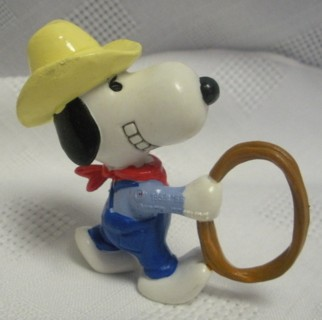 Snoopy and Peanuts Collectibles - Snoopy Cowboy PVC