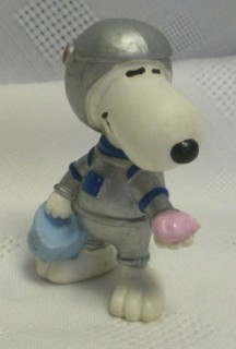 Snoopy and Peanuts Collectibles - Snoopy Space Man Plastic Rubber Figure