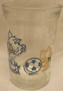 Cartoon Collectibles - Tom and Jerry Soccer Welchs Glass